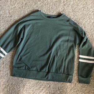 Light weight sweater/sweatshirt